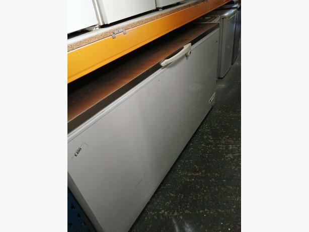 Elcold large chest freezer 607L with 3 months warranty