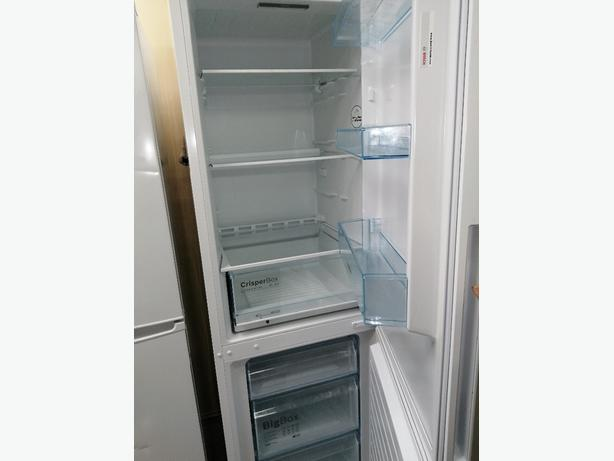 Bosch fridge freezer white 3 months warranty at Recyk Appliances