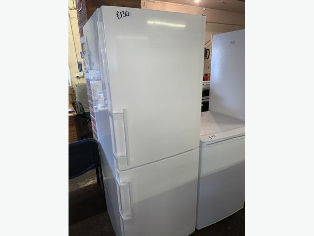PLANET APPLIANCE - WHITE LIEBHERR FRIDGE FREEZER