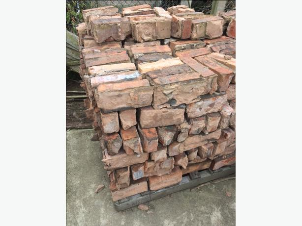 FREE: bricks