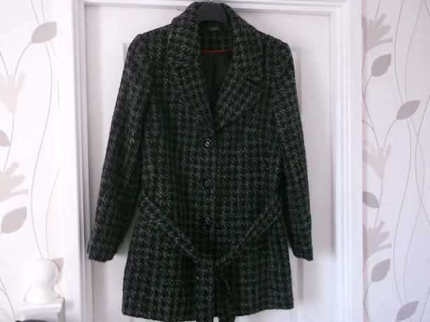 LADIES BON MARCHE COAT SIZE 16 AS NEW