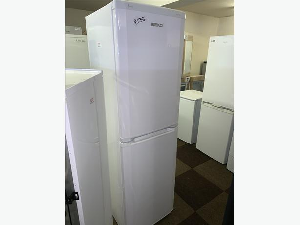 PLANET APPLIANCE - WHITE BEKO FRIDGE FREEZER IN PERFECT WORKING CONDITION