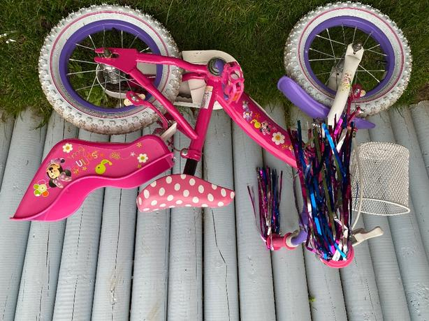 Minnie Mouse Bow-tique bike