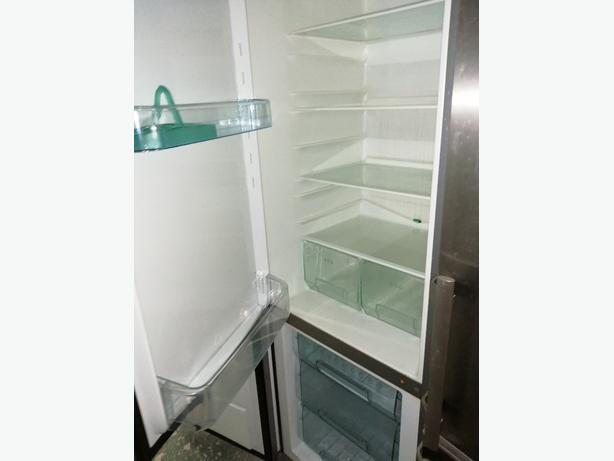 Zanussi fridge freezer 3 drawers 3 months warranty at Recyk Appliances