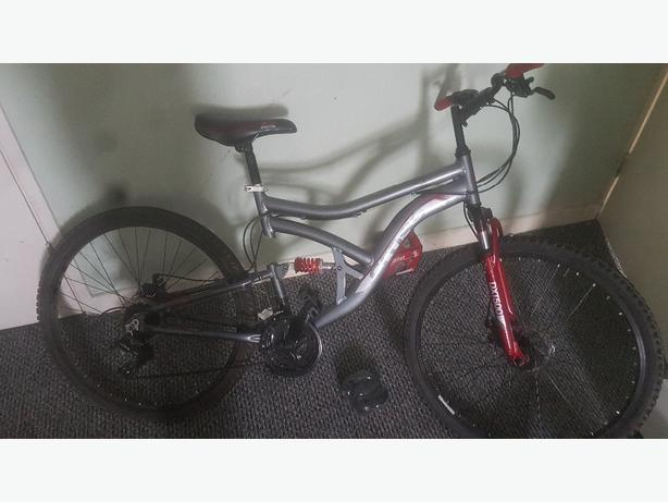 Cross dxt500 mountain bike dual suspension *Needs tire, read*