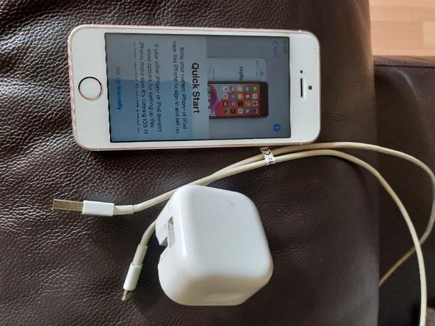 iphone 5 Se very good condition