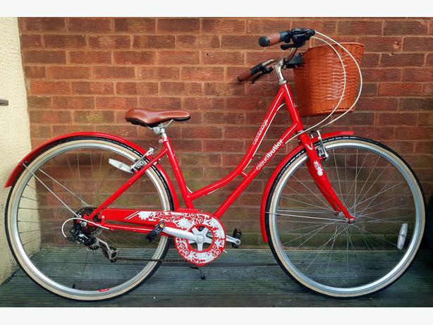 Claud Butler  Cambridge  ladies bike with basket, 700c wheels, 6 speed