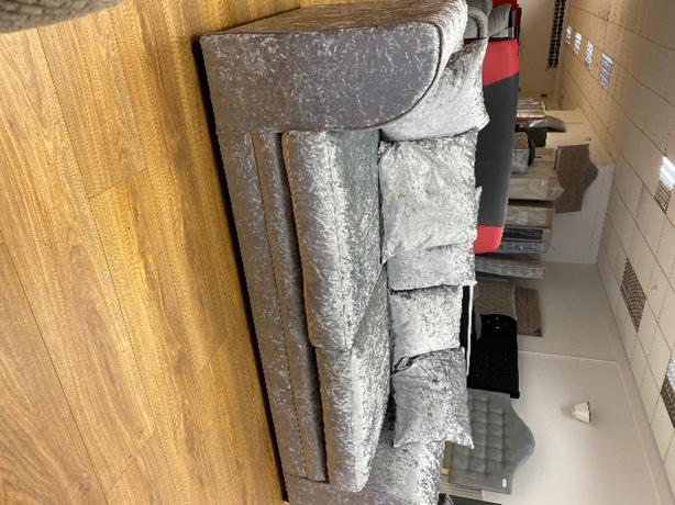 BRANDNEW 3 SEATER SOFA-choice of colours