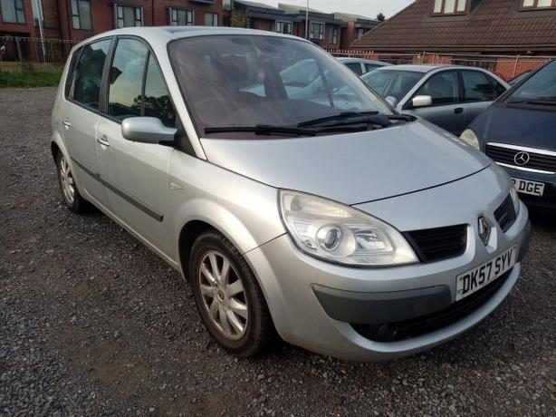 Renault Scenic 1.9 DCI Automatic