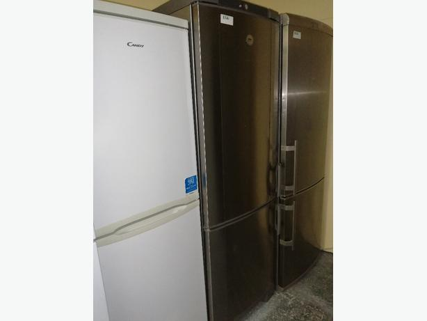 Zanussi tall fridge freezer 3 drawers 3 months warranty