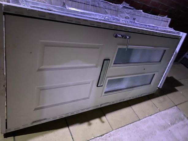 composite rear door complete.07446540192