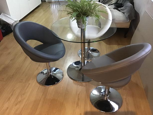Round Glass Table plus 3Chairs