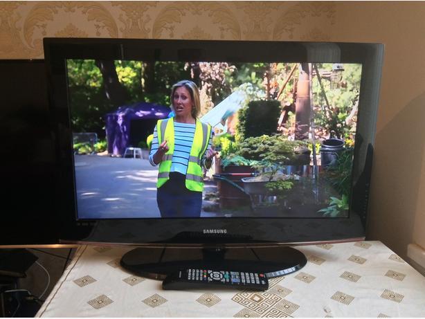 32 INCH SAMSUNG TV MODEL LE32A436T1D