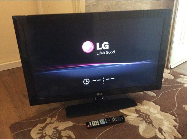 42 INCH LG LCD TV HD  MODEL 42LH3000