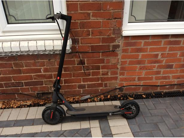 IEZWAY  ELECTRIC SCOOTER 350 WATTS 36V