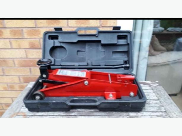 WANTED: GOOD / AS NEW TROLLEY JACK
