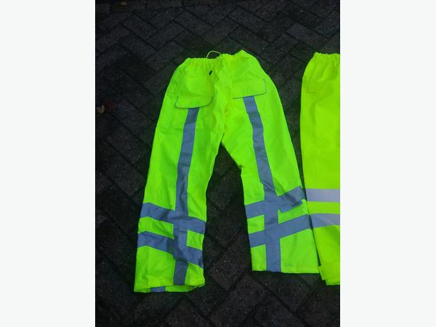 Hi  VIS  OVER TROUSERS