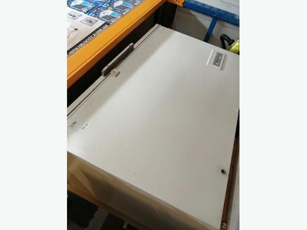 Whirlpool chest freezer 400L 134cm with warranty at Recyk Appliances