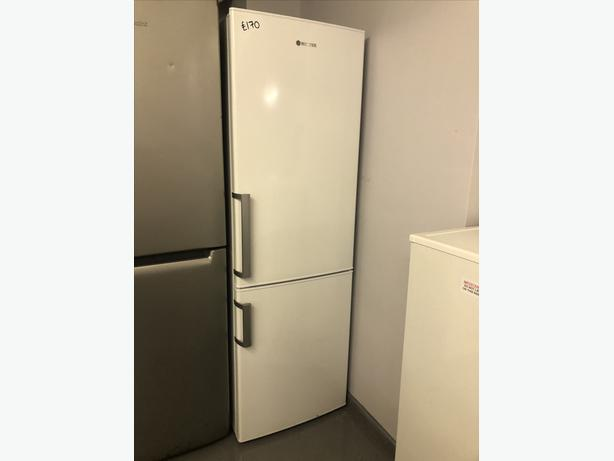 PLANET 🌍 APPLIANCE/ HOOVER FRIDGE FREEZER WITH GUARANTEE