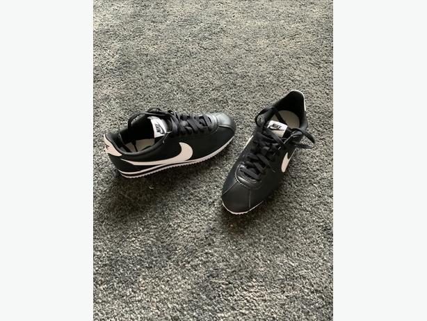 Nike Classic Cortez Trainers Size 5