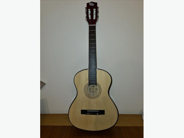 3/4 Acoustic Guitar Classical