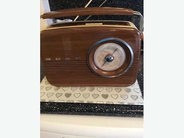 Vintage style bush radio