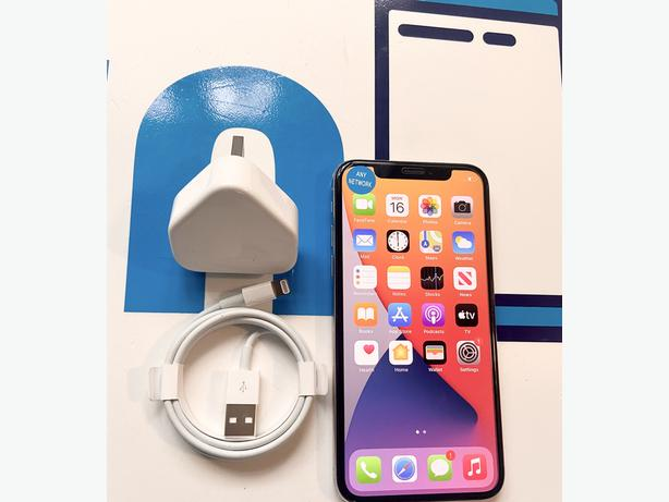 iPhone X 64Gb unlocked to all networks Silver Unboxed Fixed price