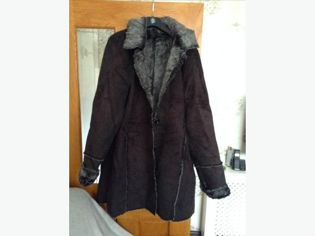 Ladies fir lined coat