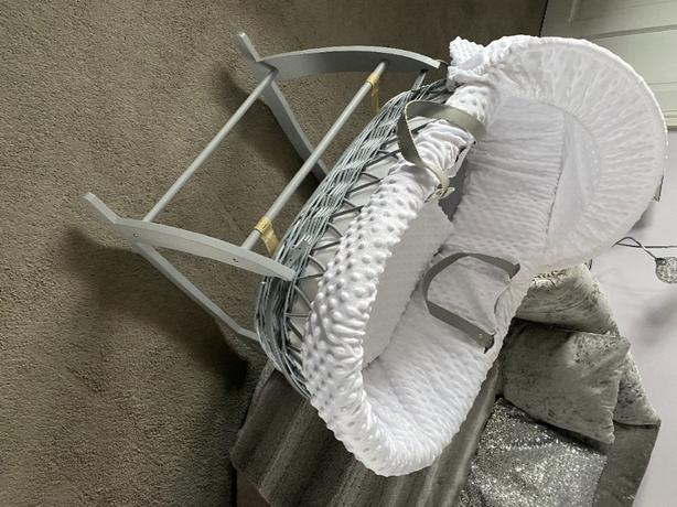 Moses Basket & Stand BNew