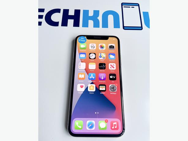 iPhone X 64Gb unlocked to all networks Fixed price (Silver) - £299.99