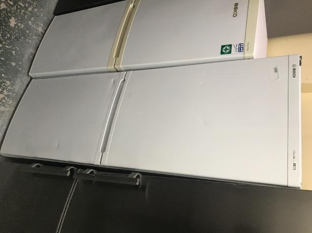 Bosch classics fridge freezer in white fully working