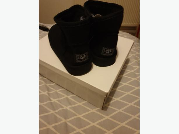 brand new ankle uggs size 3