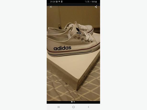 adidas style pumps size 6
