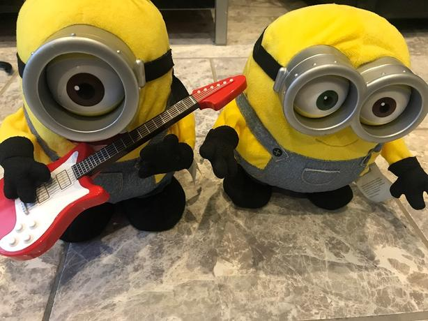 singing and dancing minions