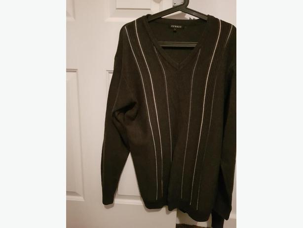 Men's grey jumper