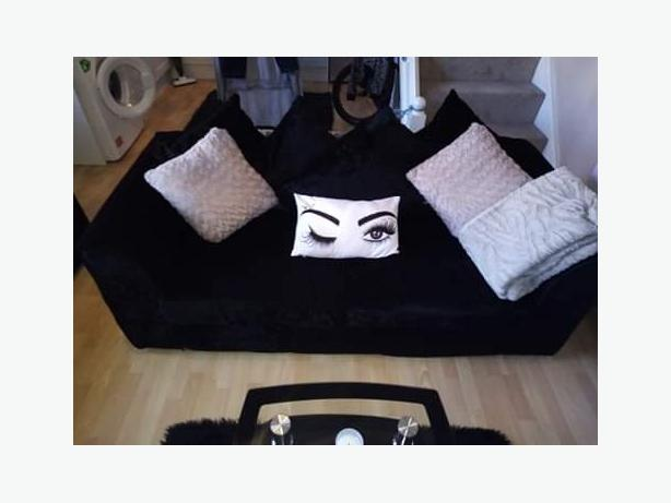 3+2 seater crushed velvet sofa
