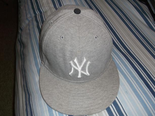 ADULT GREY NEW ERA CAP