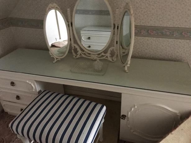 white bedroom furniture 3 items