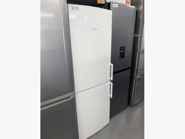 PLANET APPLIANCE - SIEMENS FRIDGE FREEZER IN WHITE