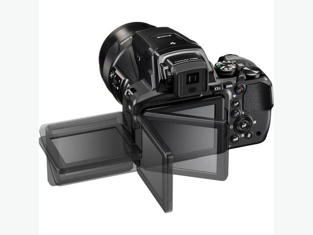 Nikon 900 +accessories