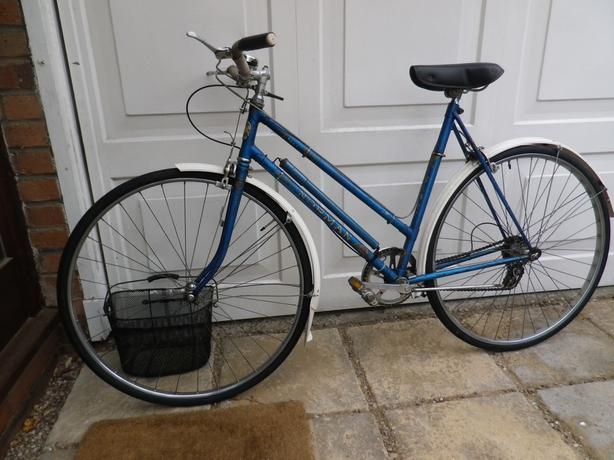 BICYCLE ROAD BIKE, RARE CLASSIC BRITISH ' NORMAN ' CYCLE