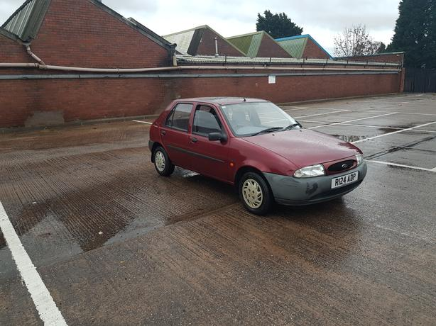 Automatic Fiesta 1.2, long mot, 43000 miles, good condition, drives great