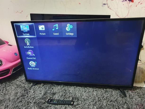 49inch digihome led full HD TV