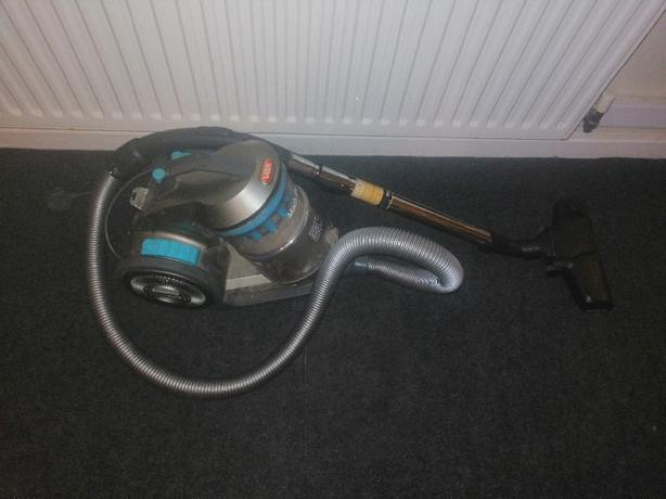 vax pet hair vacuum cleaner - delivery - £20 -