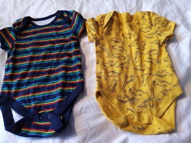 2 baby vests