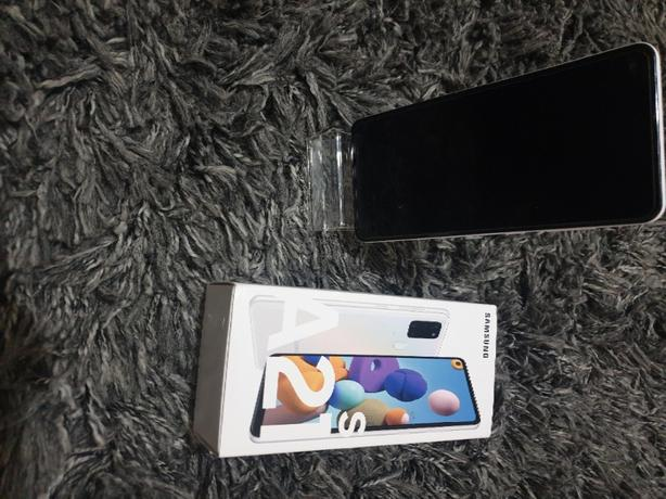 Samsung a21s unlocked mint condition