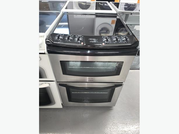 PLANET APPLIANCE - 60CM TRICITY BENDIX ELECTRIC COOKER SILVER AND BLACK