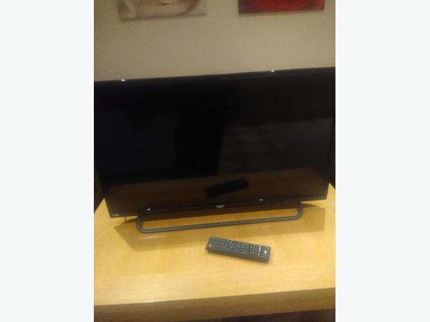 Bush 32 inch LED TV with HD FREEVIEW