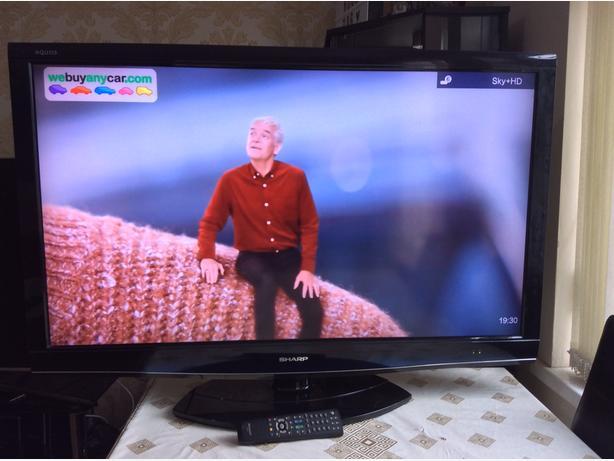 46 INCH SHARP LCD TV