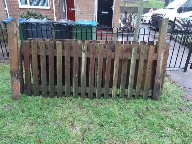 3ft Open pale fencing